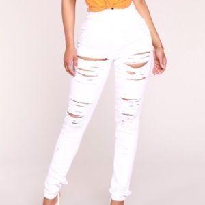5/$25🖤White fashion nova ripped jeans
